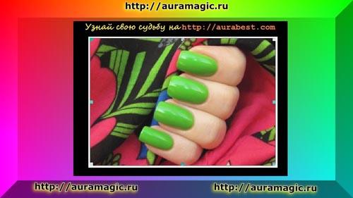 Ярко зеленый маникюр напоминает о весне